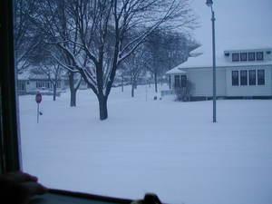 Snowy_street_1